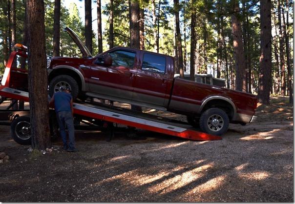 02 Truck going on tow truck NR GRCA NP AZ (1024x706)