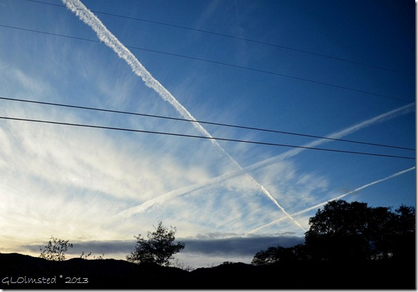 Contrails crossing