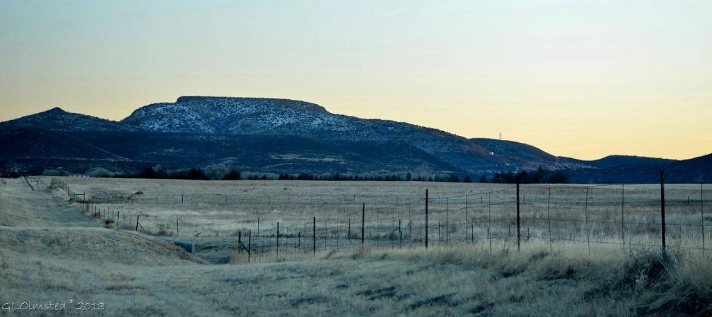 03 Antelope Peak above Yarnell AZ (1024x457)