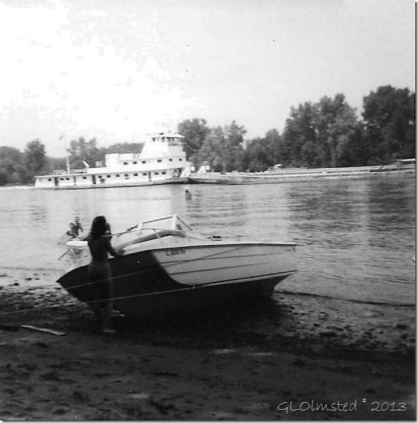 boat on the Illinois River