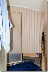 02 DSC_7454lerw Drape closed in bedroom gp (678x1024)-2